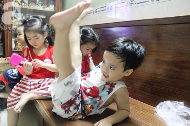Cuộc sống tất bật, xoay như chong chóng của mẹ trẻ Sài Gòn sinh 1 lần được hẳn 5 con, nếp tẻ đủ cả - Ảnh 8.