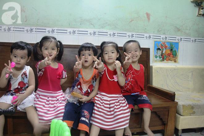 Cuộc sống tất bật, xoay như chong chóng của mẹ trẻ Sài Gòn sinh 1 lần được hẳn 5 con, nếp tẻ đủ cả - Ảnh 5.