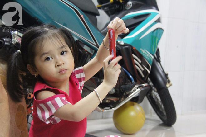 Cuộc sống tất bật, xoay như chong chóng của mẹ trẻ Sài Gòn sinh 1 lần được hẳn 5 con, nếp tẻ đủ cả - Ảnh 13.
