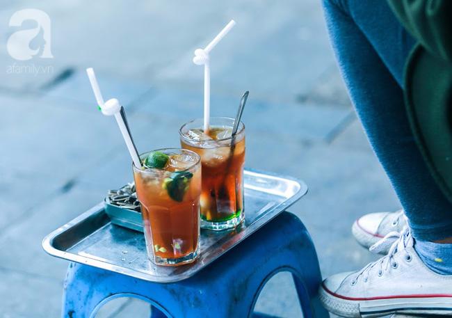 Cuối tuần thảnh thơi ghé phố Nhà Thờ, gọi ly trà chanh đặc biệt 20 năm tuổi ngồi ngắm phố xá, xích lô leng keng - Ảnh 12.