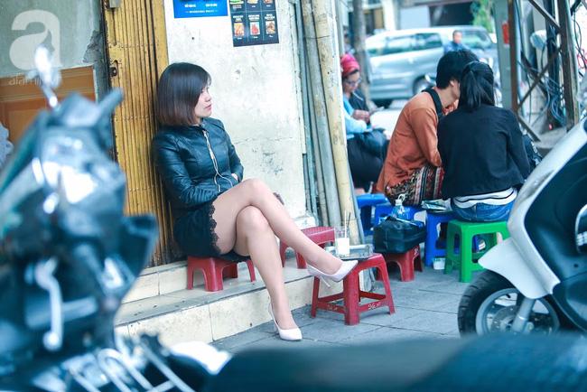 Cuối tuần thảnh thơi ghé phố Nhà Thờ, gọi ly trà chanh đặc biệt 20 năm tuổi ngồi ngắm phố xá, xích lô leng keng - Ảnh 4.