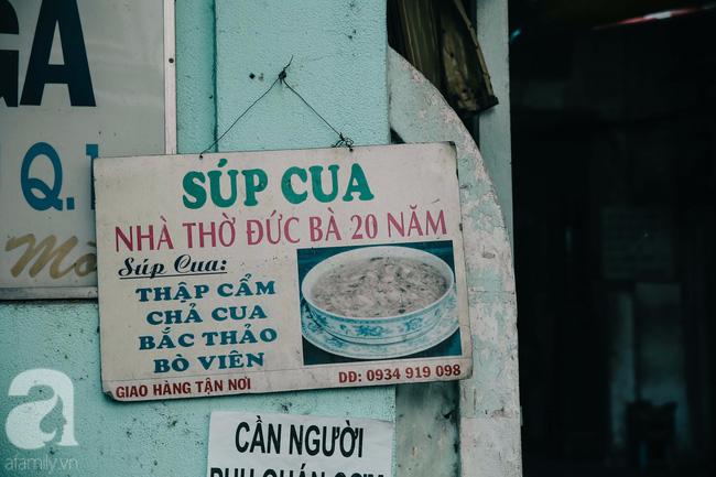 Cuối tuần ghé ăn chén súp cua nhà thờ Đức Bà 20 năm, lặng nghe hơi thở của đất Sài Gòn hoa lệ - Ảnh 2.