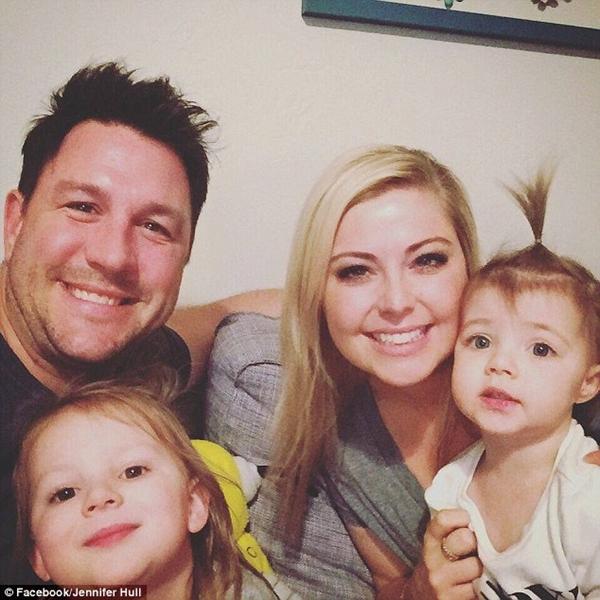 Đứng tim theo dõi bà mẹ nhanh trí cứu con gái 1 tuổi khỏi nghẹt thở vì hóc bim bim - Ảnh 6.