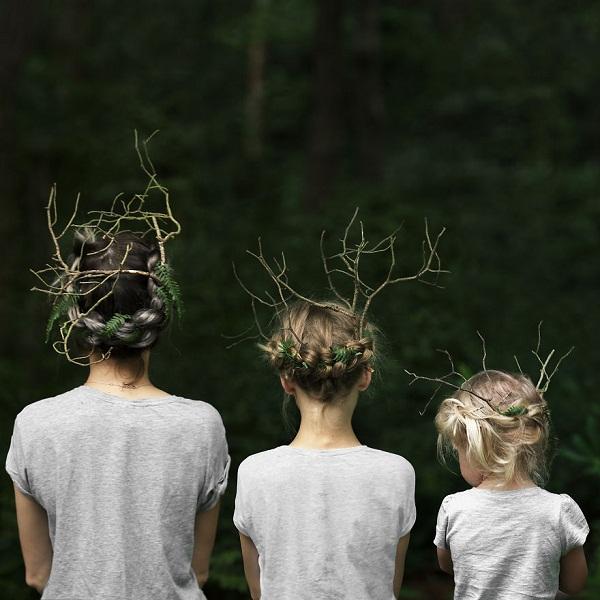 Có hai cô con gái, nhất định phải chụp ảnh bộ ba như thế này! - Ảnh 1.