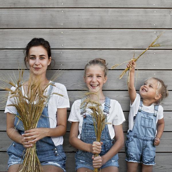 Có hai cô con gái, nhất định phải chụp ảnh bộ ba như thế này! - Ảnh 10.