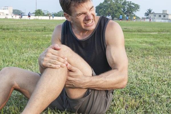 5 chấn thương hay gặp trong khi tập thể dục, thể thao và cách phòng tránh - Ảnh 3.