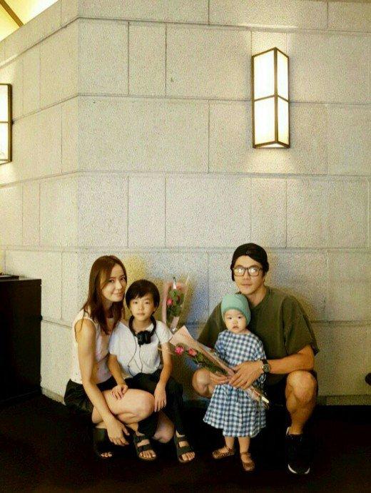 Phía sau cuộc sống hôn nhân của các cặp đôi sao hot nhất xứ Hàn - Ảnh 4.