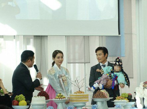 Phía sau cuộc sống hôn nhân của các cặp đôi sao hot nhất xứ Hàn - Ảnh 7.