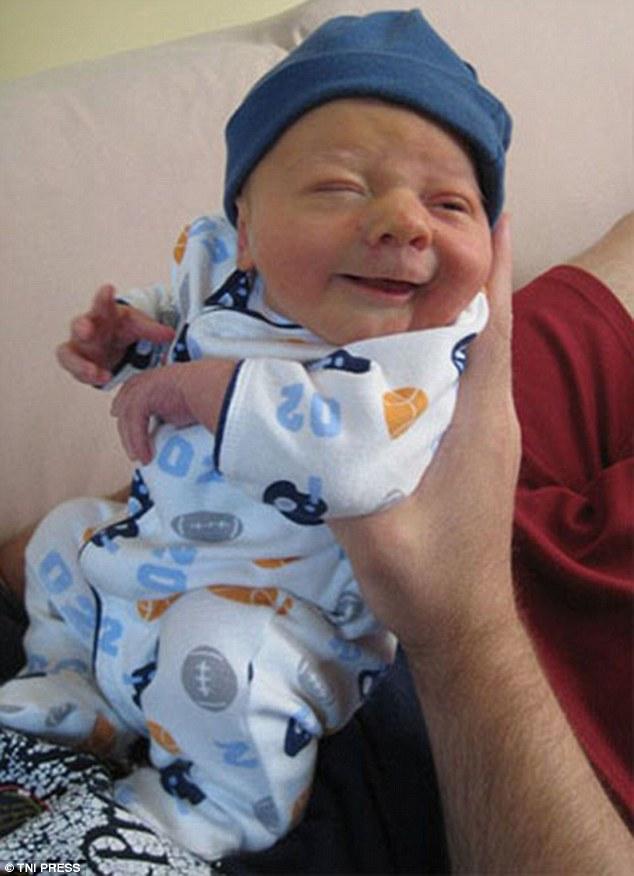 Chết cười ngắm những ông cụ non mang hình hài của một em bé - Ảnh 3.