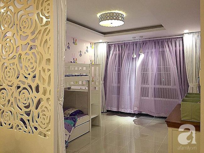 Ghé thăm căn hộ đẹp bình yên, trong trẻo đến lạ thường của người phụ nữ yêu hoa ở TP HCM - Ảnh 9.