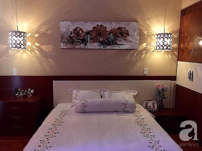 Ghé thăm căn hộ đẹp bình yên, trong trẻo đến lạ thường của người phụ nữ yêu hoa ở TP HCM - Ảnh 21.