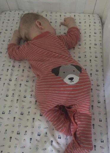 Con trai đã được luyện ngủ thành công mà không khóc đêm và đây là cách của tôi - Ảnh 2.