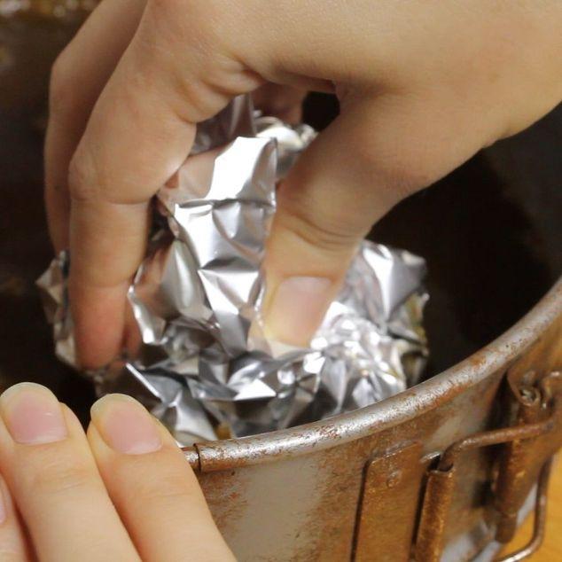 Chỉ với 20 nghìn đồng và 5 phút thực hiện, bạn đã có thể làm sạch đồ dùng bằng kim loại một cách nhanh chóng và dễ dàng - Ảnh 5.