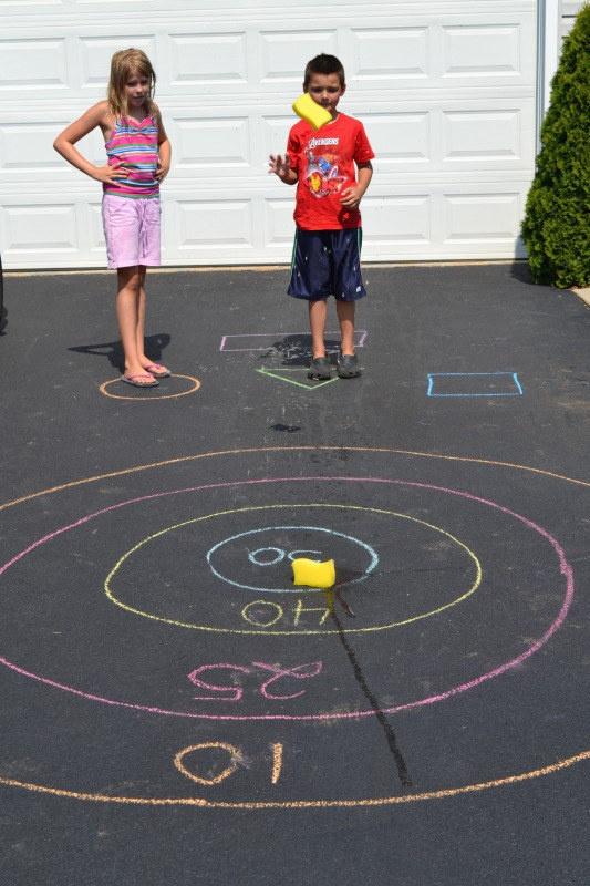 25 trò chơi tại nhà không tốn một xu mà vui nổ trời cho trẻ tận hưởng trong dịp nghỉ hè - Ảnh 3.