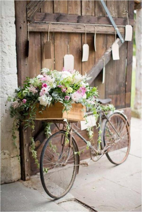 Những ý tưởng trang trí vườn tuyệt hay với xe đạp cũ bạn sẽ rất tiếc nếu biết quá muộn - Ảnh 3.