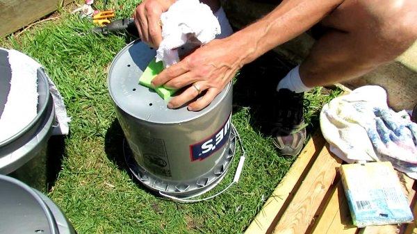 Công việc làm vườn, trồng rau sẽ vô cùng nhàn nhã nếu biết 10 cách tự tưới nước cho cây sau đây - Ảnh 10.