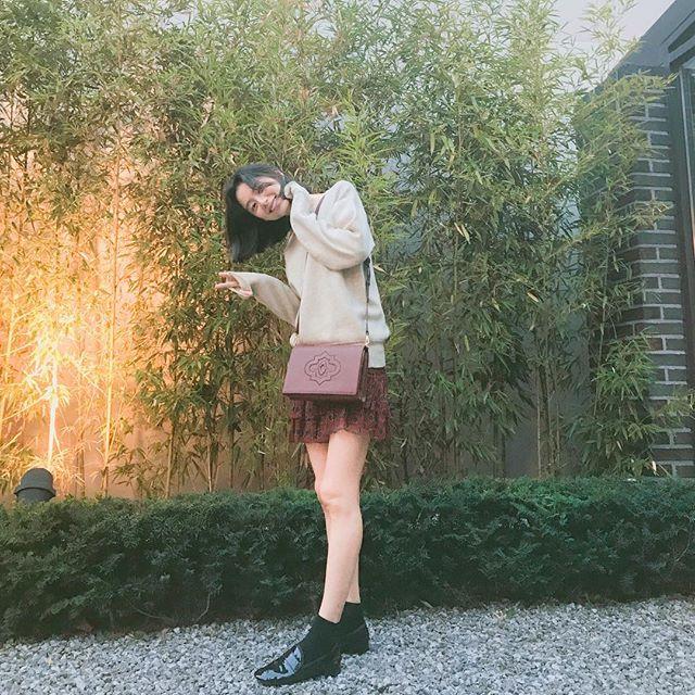 Qua thời kỳ ốm nghén, bà xã Bae Yong Joon thoải mái tung tẩy khắp nơi  - Ảnh 4.