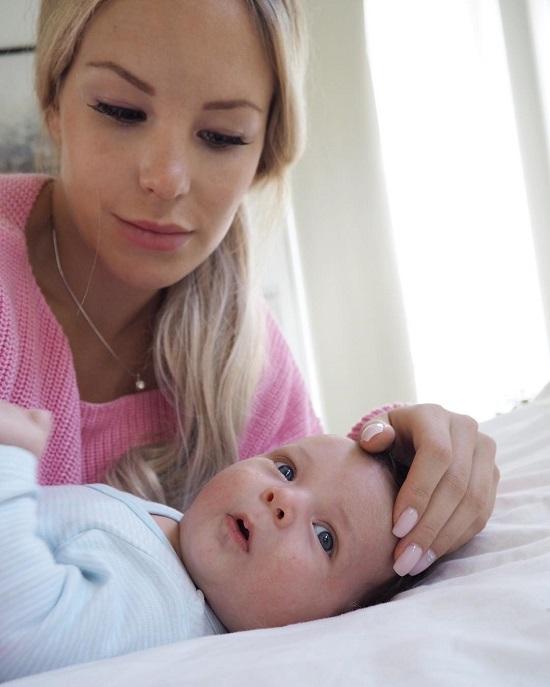Vòng eo khác biệt một trời một vực của bà mẹ sau sinh giữa ảnh mạng và đời thực - Ảnh 6.