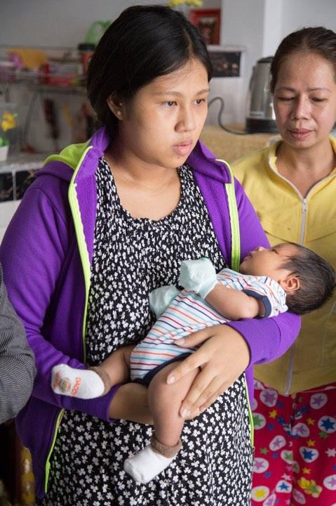 Bà mẹ tăng đến 100kg khi mang bầu,  sau khi sinh lột xác còn xinh hơn thời con gái - Ảnh 3.