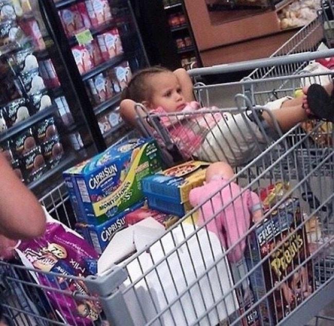 Chùm ảnh chứng minh: Đưa con đi siêu thị là công việc chỉ dành cho những cha mẹ… dũng cảm - Ảnh 18.