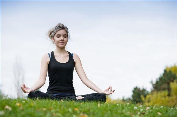 11 cách nâng niu sức khỏe tinh thần nếu bạn không muốn mất ngủ, stress thường xuyên - Ảnh 1.