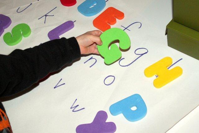 Dạy trẻ học chữ sớm: Làm thế nào để không hại con? - Ảnh 2.