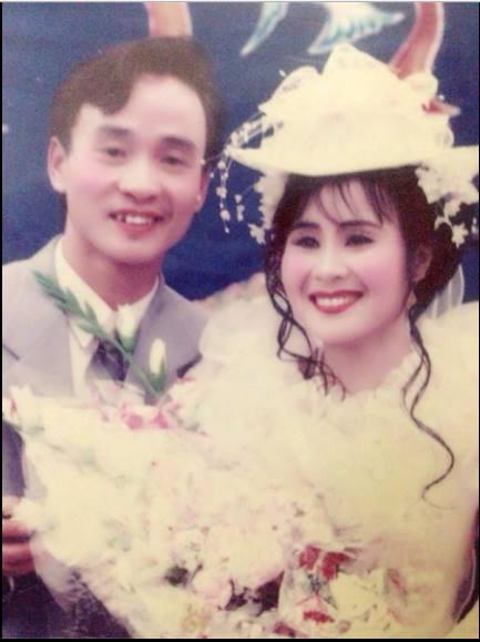 Đám cưới chất chơi thời bố mẹ anh thập niên 90: Pháo nổ râm ran, cả làng chạy theo cô dâu chú rể - Ảnh 24.