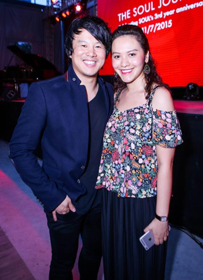 Những người vợ vừa giàu vừa giỏi đứng sau ánh hào quang của các nam nghệ sĩ Việt - Ảnh 20.