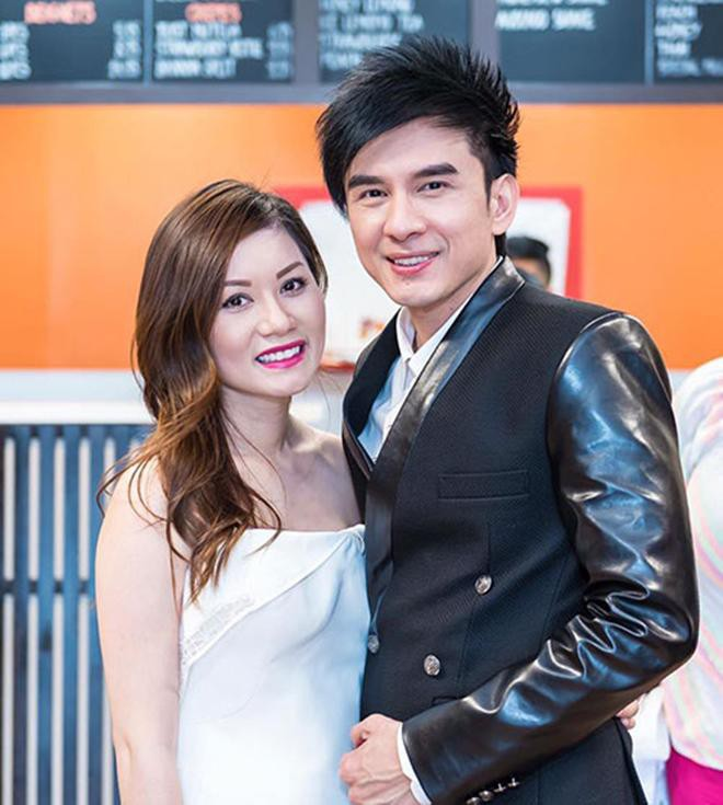 Những người vợ vừa giàu vừa giỏi đứng sau ánh hào quang của các nam nghệ sĩ Việt - Ảnh 31.