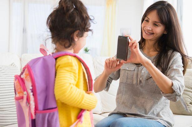 Các bước đưa con vào lớp 1 để trẻ không khóc lóc, không sợ hãi mỗi khi đến trường - Ảnh 3.