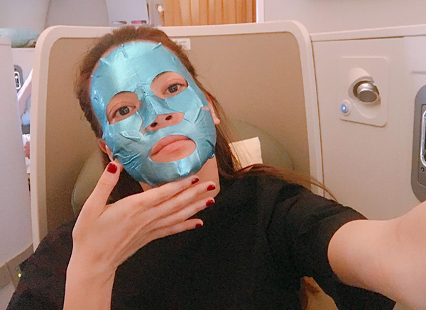 Loạt người đẹp Châu Á sử dụng mặt nạ giấy như 1 bước chăm sóc da hàng ngày - Ảnh 17.