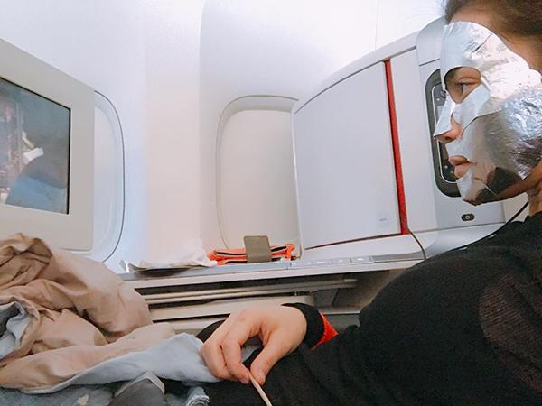 Loạt người đẹp Châu Á sử dụng mặt nạ giấy như 1 bước chăm sóc da hàng ngày - Ảnh 18.