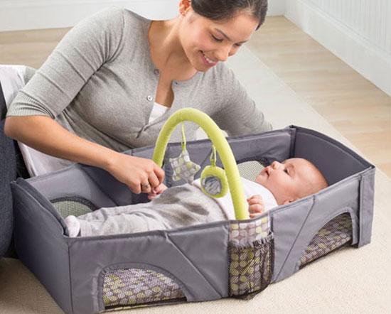 Lưu ý bố mẹ nhất định phải biết để trẻ ngủ chung giường được an toàn - Ảnh 1.