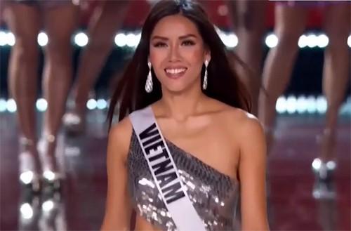 Nguyễn Thị Loan lọt Top 5 Trang phục truyền thống và Top 15 trình diễn bikini đẹp nhất Miss Universe 2017 - Ảnh 1.