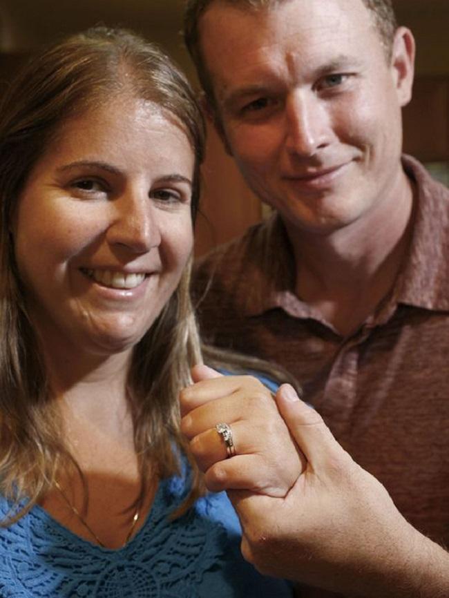 Đến Italy du lịch, cặp vợ chồng không ngờ tìm lại được báu vật đánh rơi 9 năm trước - Ảnh 4.