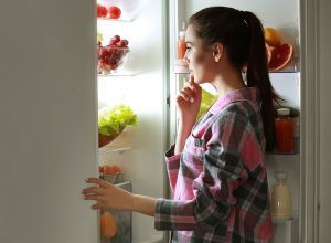 Hóa ra nhịn đói đi ngủ lại không phải là một chiến thuật giảm cân đáng giá - Ảnh 2.
