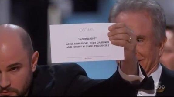 Oscar 2017 gây ngã ngửa vì màn trao giải nhầm cho La La Land - Ảnh 5.