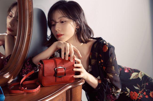 Sống cuộc đời của một bà hoàng, vợ của Bae Yong Joon ngày càng đẹp - Ảnh 4.
