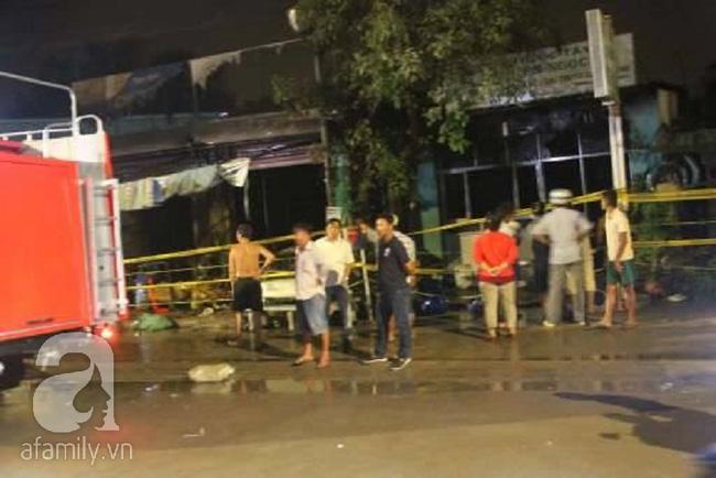 4 ngôi nhà ở Sài Gòn bị thiêu rụi trong đêm giao thừa Tết Dương lịch - Ảnh 2.