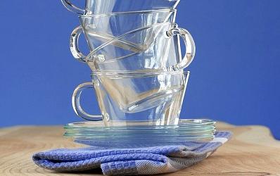 Làm sạch ly thủy tinh lúc nào cũng trông y như mới, tưởng khó mà dễ - Ảnh 1.
