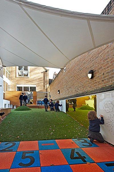Những trường học được thiết kế như một tác phẩm nghệ thuật đầy cảm hứng trên thế giới - Ảnh 1.