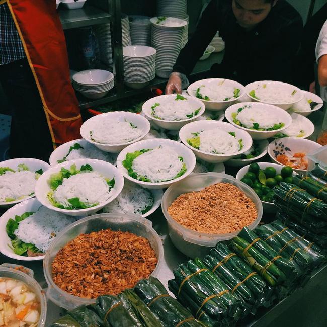 Bán món bình dân, nhưng giá cả của 5 quán ăn Hà Nội này sẽ khiến nhiều người bất ngờ khi lần đầu ghé đến - Ảnh 11.