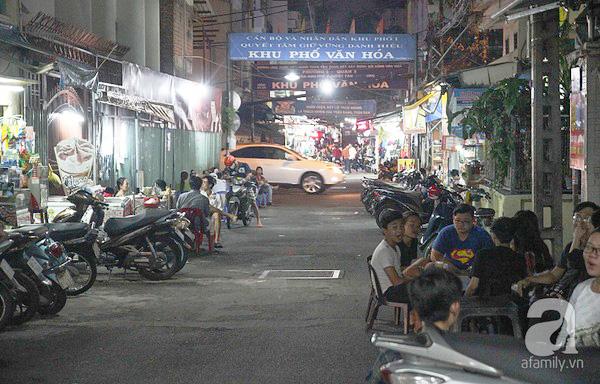 4 con hẻm ẩm thực cứ mỗi bước là có một món ăn ngon tại Sài Gòn - Ảnh 16.