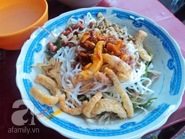 4 con hẻm ẩm thực cứ mỗi bước là có một món ăn ngon tại Sài Gòn - Ảnh 24.