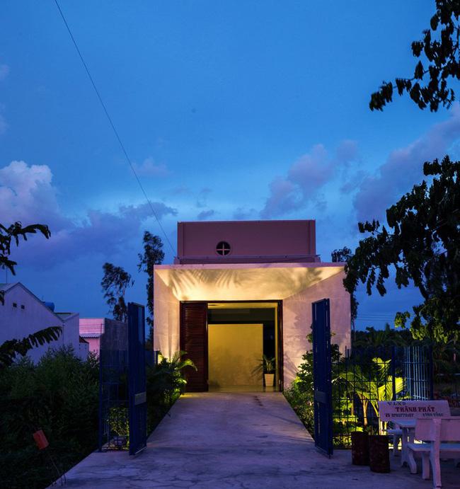 Ngôi nhà 200m² lấy cảm hứng thiết kế từ hang Sơn Đoòng ở Vĩnh Long nổi bật trên báo Mỹ - Ảnh 2.