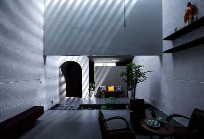 Ngôi nhà 200m² lấy cảm hứng thiết kế từ hang Sơn Đoòng ở Vĩnh Long nổi bật trên báo Mỹ - Ảnh 4.