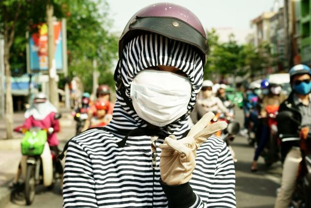 Chết cười với thời trang chống nắng siêu nhắng của hội chị em - Ảnh 1.