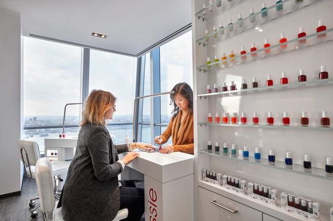 Thứ Hai chẳng nặng nề với văn phòng làm việc đẹp như mơ của công ty mỹ phẩm lớn nhất thế giới - Ảnh 1.