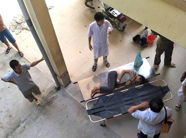 Ăn nhầm nấm độc, 6 người trong gia đình nhập viện cấp cứu - Ảnh 1.