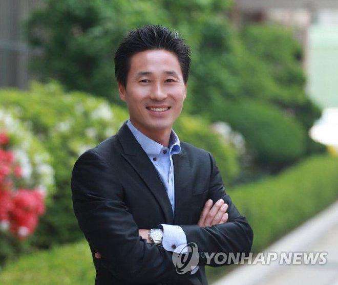 Tìm thấy thi thể thầy giáo anh hùng nhường phao, xả thân cứu học sinh trong thảm kịch chìm phà Sewol 3 năm trước - Ảnh 1.